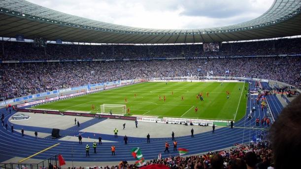 Berlin - Olympiastadion. Hertha BSC - FCA, für beide Mannschaften war es der Aufstieg in die 1-Liga