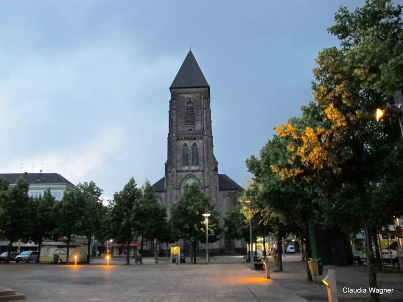 Mir wurde versichert, dass Christoph Schlingensief hier Messdiener war! Viel mehr hab ich über Oberhausen allerdings nicht erfahren...