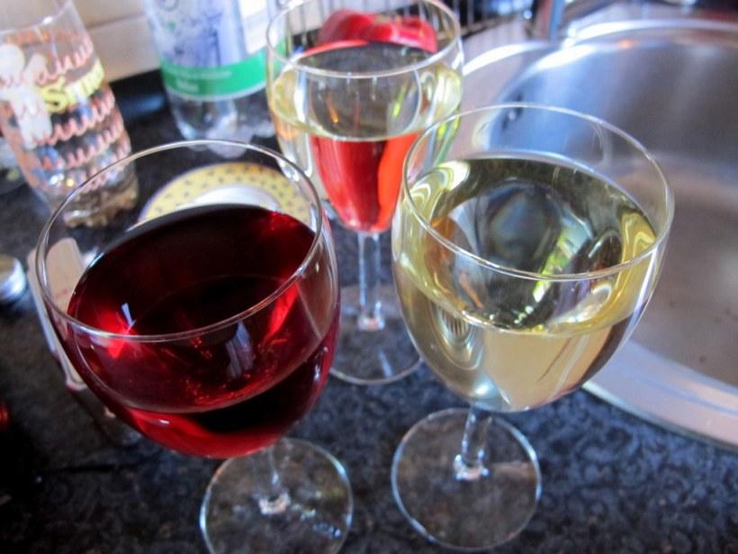 Was wäre ein gemeinsames Antipasti-Kochen ohne ein frisches Gläschen Wein!