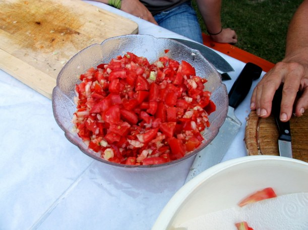 Tomate-Zwiebel-Paprika-Bruschetta-Auflage