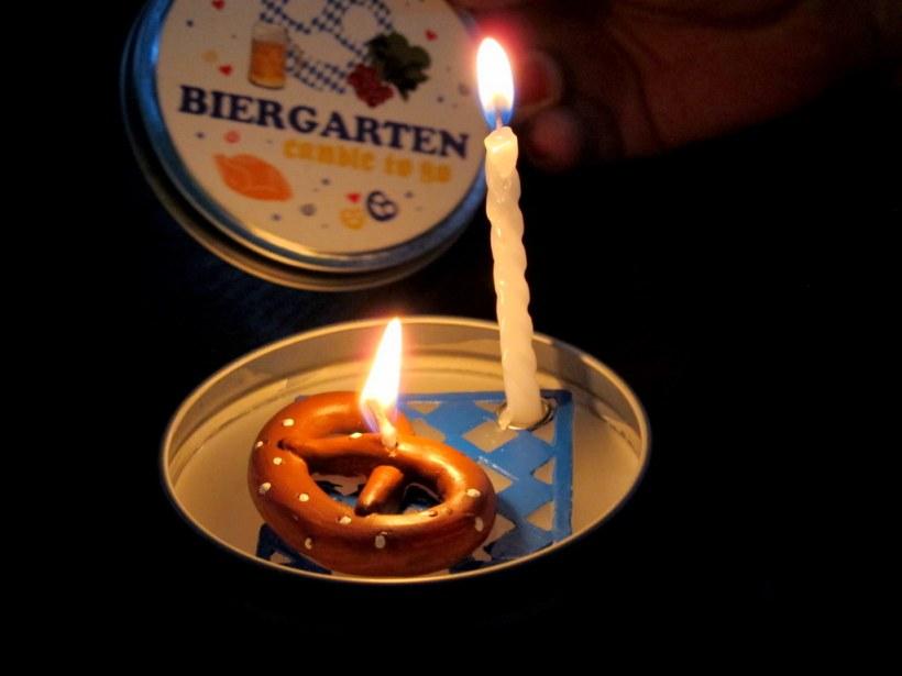 Bayerisches 'Biergarten candle to go' - hat den Abend durchgehalten!