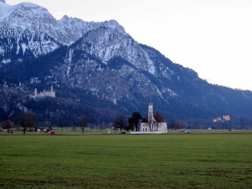 Im Hintergrund Schloss Neuschwanstein und Hohenschwangau