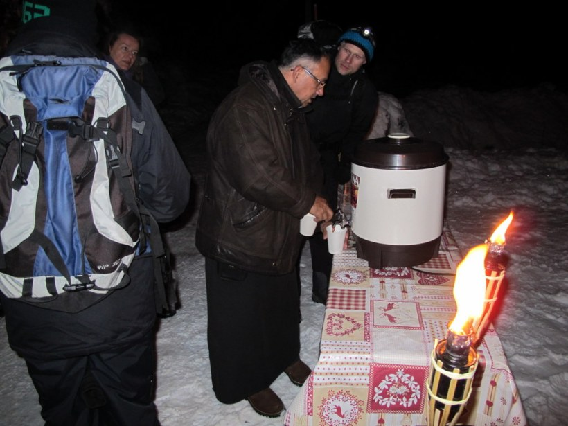 Begrüßung am Blecksteinhaus mit Glühwein