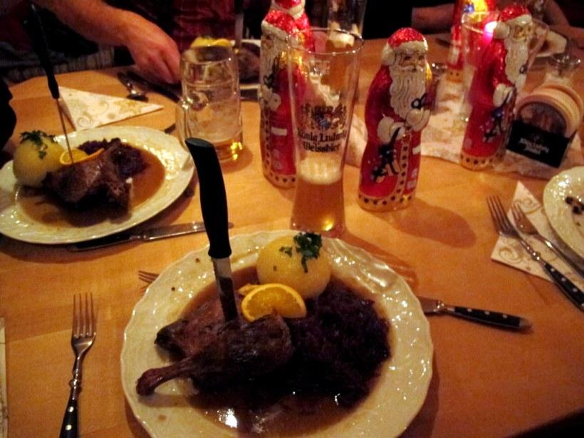 Zwischen Suppe und Hauptgang kam der Nikolaus (Klaus) und offensichtlich waren wir alle brav ;-)